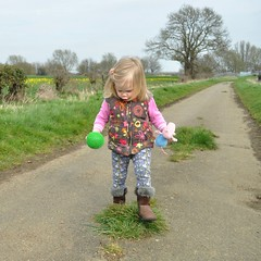 George and ball (N'GOMAPHOTOGRAPHY) Tags: countryside walk lincolnshire fields northborough marketdeeping daddydaughtertime etton