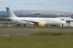 EC-MBY parked. (aitch tee) Tags: aircraft airbus parked airliner a320 walesuk cardiffairport vueling maesawyrcaerdydd cwlegff ecmby