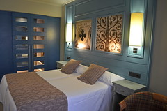 Hotel Colon Guanahani, Costa Adeje (Snapjacs) Tags: costa hotel design spain europe tenerife accommodation interiordesign canaryislands hotelroom bedrooms dcor adeje sleepingquarters wheretostay deluxehotels stylehotels contemporarystyle tenerifehotels stylishhotelroom