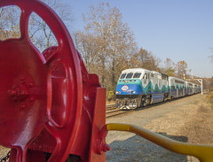 VRE Sounder train at Clifton (Michael Karlik) Tags: railroad train caboose transit sound commuter passenger clifton sounder vre f59phi virginiarailwayexpress