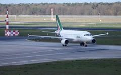 EI-IMG - Airbus A319-112 (Digi-Joerg) Tags: italy ei alitalia fiumicino txl airbusa319 berlintegel internationalerverkehrsflughafen 19042016 ersterflug14112003