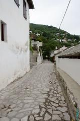 Makrinitsa (08) (clodyus) Tags: cobblestone greece grecia grce makrinitsa thessaly  thessalia ruepave plion   stradalastricata  thessalie magnsie  thessaliastereaellada  plio makrinitra