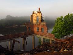 (billyjana80) Tags: fog ruins phallic alabamariver selmaalabama safelite