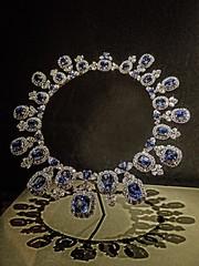 Hall Sapphire and Diamond Necklace featuring 36 sapphires from Sri Lanka totaling 195 carats and 435 diamonds weighing 84 carats designed by Harry Winston (mharrsch) Tags: washingtondc smithsonian necklace jewelry diamond platinum museumofnaturalhistory sapphire 20thcenturyce mharrsch hallsapphire