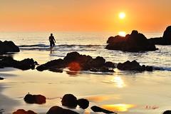 K1X_1336 懷念2015的陽光 (愚夫.chan) Tags: sunrise rocks taiwan 台灣 happynewyear 新年快樂 日出 陽光 海水 外澳 礁岩 宜蘭縣 yilancounty 頭城鎮 頭城晨彩