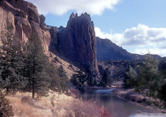 Crooked River - Smith Rocks - Oregon (Don Thoreby) Tags: oregon pacificnorthwest wilderness rockclimbing bendoregon crookedriver smithrocks thecascades deschutescounty riverscene smithrocksstatepark terrebonneoregon