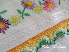 KikaBordados Kika  Krauss 035 (Kika Bordados by Angelica Krauss) Tags: flowers flores handmade embroidery crochet towel artes emboidery artesanatos croche embroider toalhas feitoamo feitomo kikabordadoskikakrauss