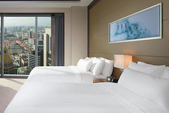 Deluxe Room offers panoramic view of the citys modern financial district and the heritage buildings of Chinatown (jacksonwill55) Tags: deluxeroom thewestinsingapore
