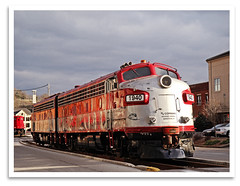 Broadway (bogray) Tags: classic train vintage ky historic restored locomotive preserved coveredwagon frankfort f7 emd myoldkentuckydinnertrain funit dieselelectric rjcorman cabunit rjc1940
