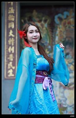 DP1U9439 (c0466art) Tags: old light portrait cute classic girl umbrella canon pose temple photography pretty place action outdoor quality gorgeous chinese taiwan sword lovely cloth charming elegant activity society pure keelung tranditional 1dx c0466art