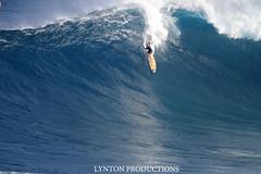 IMG_8874 copy (Aaron Lynton) Tags: canon waves sigma surfing jaws xxl peahi bigwave wsl lyntonproductions