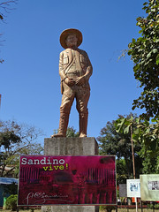Sandino Statue in Niquinohomo (Daniel Brennwald) Tags: statue nicaragua sandino niquinohomo