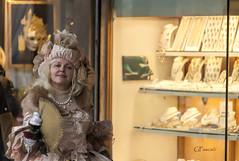 Malizia (Giacomo Pasca) Tags: street venice woman fan donna costume venezia fancydress malice ventaglio malizia