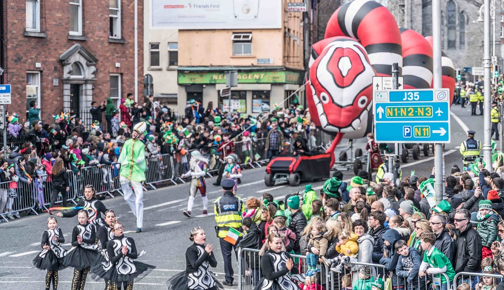 RETURN OF THE SNAKES BY BUI BOLG [SAINT PATRICK'S DAY PARADE]-112696