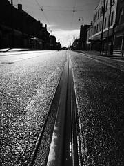 Lord Street, Fleetwood (Rhisiart Hincks) Tags: road blackandwhite bw blancoynegro tram lancashire townscape fleetwood bide blancinegre stadtbild paisajeurbano fylde ln treflun blancetnoir ffordd  duagwyn zwartenwit sirgaerhirfryn fyldecoast holidayresort rathad paysageurbain zuribeltz feketefehr tranway hent dubhagusbn gwennhadu stadsbeeld siyahvebeyaz  bthar  juodairbalta schwarzundweis ernabl mustajavalkoinen  crnoibelo melnsunbalts miestovaizdis tramffordd cyrchfangwyliau  negruialb  pilstasainava dubhagusgeal gweledvakr kaupunkikuvaan obrazmsta peisajuluiurban  rnoinbelo