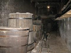 2008 03 Emilia Romagna - Parma - Sant'Agata - Casa Verdi - Le cantine_277 (Kapo Konga) Tags: italia cantina vino emiliaromagna botti santagata