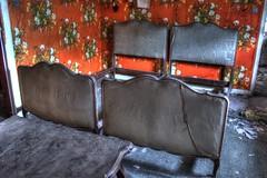 Dcorateur d'intrieur (urban requiem) Tags: old urban france abandoned lost hotel bed bedroom beds decay room zimmer lit exploration derelict hdr verlassen lits urbex abandonn rdb relais papierpeint 600d hotelrelais hotelrdb