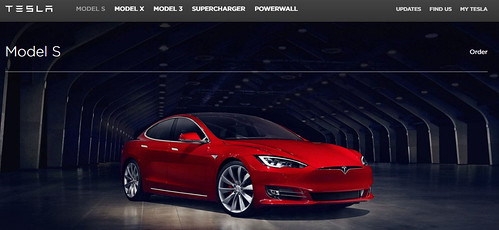 "Restyling del Model S en la web de Tesla Motors <a style=""margin-left:10px; font-size:0.8em;"" href=""http://www.flickr.com/photos/128385163@N04/26326595481/"" target=""_blank"">@flickr</a>"