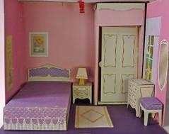 Not Mine-Littlechap's Masterbedroom (Foxy Belle) Tags: vintage bed bedroom doll structure master cardboard littlechap