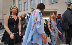 In shackles (Red Cathedral is alive) Tags: brussels car blood cosplay o zombie bruxelles eerie convention gore horror undead grime zombies oo brussel larp livingdead blooddonor rhesus bifff zombiewalk warandepark zombieparade thewalkingdead a parcroyal eventcoverage aztektv zombieolympics zombifff