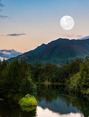 NOT APRIL'S MOON (LA GRANDE TERRE) Tags: mountains composite river lumix evening fullmoon panasonic moonrise dumbea lx100 supermoon christopheroberthervouet photoshopcc