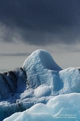 shs_n8_018637 (Stefnisson) Tags: ice berg landscape iceland glacier iceberg gletscher glaciar sland icebergs jokulsarlon breen jkulsrln ghiacciaio jaki vatnajkull jkull jakar s gletsjer ln  glacir sjaki sjakar stefnisson