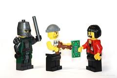 Robbery | Lego (davehard74) Tags: game macro lego robbery burglar gioco rapinatore