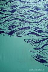 making_of_Fruehlingspost2016_5583.jpg (KristinaMariaS) Tags: screenprinting patterndesign handprintedfabric fishpattern amliebstenbunt kristinaschaper