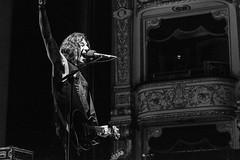 Stef Burns_Teatro Petruzzelli (Rita Alessia Dispoto) Tags: music colour rock teatro jump colorful theatre song live concerto burns mus musica rocknroll rockandroll chitarra musicista cantante stefburns platea musiclive petruzzelli