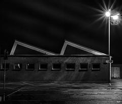 Starting the Engines (M-Z-Photo) Tags: nacht parkplatz nachtaufnahme langzeitbelichtung ansbach reflektionen schwarzweis