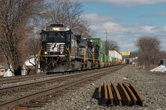 The Industry Standard (marko138) Tags: railroad train pennsylvania locomotive ge railfan 203 norfolksouthern camphill mainline 10thstreet intermodal dash9 railroadphotography c409 lurganbranch ns8887 standardcab lurb dashnoine
