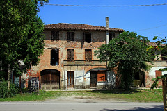 Casa in laguna veneziana (marvin 345) Tags: italy house casa italia rustic edificio ruin campagna oldhouse architettura veneto rustica residenza casavecchia