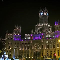 """Refugees welcome""""  #madrid #refugees #welcome... (dpereirapaz) Tags: madrid city refugees council welcome cibeles uploaded:by=flickstagram instagram:venuename=plazadecibeles instagram:venue=213095924 instagram:photo=10697494921902683261852545"""