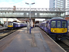 NR 319371 & 319376 @ Manchester Oxford Road (Sim0nTrains Photos) Tags: brel northernrail liverpoolandmanchesterrailway class319 manchesteroxfordroadrailwaystation class3193 319376 319371 brelyork northernelectrics liverpooltomanchesterline