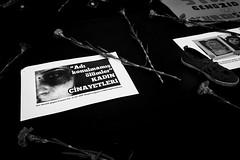. (Thorsten Strasas) Tags: pink flowers music berlin sign musicians turkey germany de women musiker candle rally protest blumen kerze schild murder musik humanrights womensrights activists kundgebung kurdistan charlottenburg tuerkei frauen menschenrechte kurds frauentag breitscheidplatz nelke kurden schwarzweis cizre ermordung frauenrechte