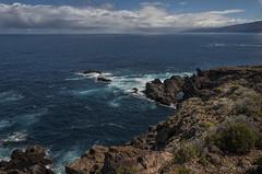 Mar y rocas volcánicas (letrucas) Tags: luz clouds nubes tenerife atlanticocean océanoatlántico cieloynubes volcanicrocks volcanismo lightspecial
