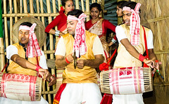 Bihu (rob of rochdale) Tags: india dance spring culture assam kaziranga bihu