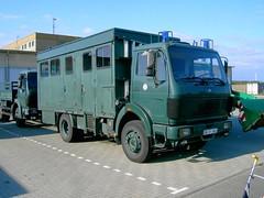 MB NG 1017 (Vehicle Tim) Tags: mercedes police ng mb polizei 1017 koffer einsatz blaulicht 1017a