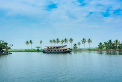 house boat in Backwaters ([s e l v i n]) Tags: india houseboat kerala backwaters keralabackwaters keralatourism keralatravel picturesofkerala selvin
