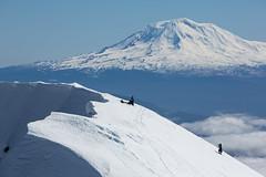 Mount St. Helens rim (G-Red 733) Tags: snow volcano washington hiking tay snowboard mountaineering wa mtadams pnw sthelens mountaineers alpinetouring