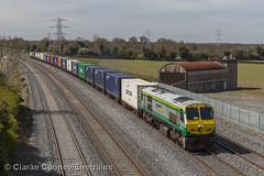 IE 223 Ballina-Dublin IWT liner, Stacumny Bridge (Eiretrains) Tags: dublin irish rail freight irishrail ballina freighttrain generalmotors hazelhatch containertrain iarnrdireann irishrailways 201class iwtliner stacumnybridge