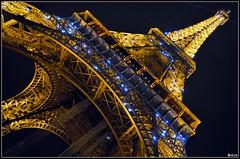 (_&ri.co_) Tags: light paris france tower yellow night torre best toureiffel luci francia notte architettura luce parigi nikond3200 2013