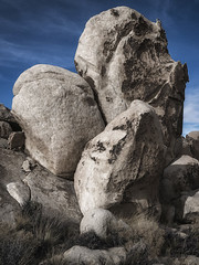 Three eggs (DPRPhoto) Tags: desertlandscape rockformations joshuatreenationalpark surprisetank