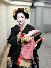 Tradition in Kyoto (Teruhide Tomori) Tags: japan lady kyoto traditional maiko   kimono  kamishichiken   kagai