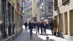Zrich Niederdorf 6.2.2016 0041 (orangevolvobusdriver4u) Tags: street shop schweiz switzerland zurich zrich altstadt oldtown geschft gasse niederdorf 2016 niederdorfstrasse archiv2016