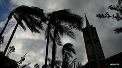 Fim de tarde (@profjoao) Tags: torre paisagem cruz crepusculo silhueta fimdetarde paisagemurbana jaguar jaguare igrejacatolica fimdedia joaocesar paroquiasaojose aulanossa paroquiasaojosedojaguare profjoaonetbr wwwprofjoaonetbr aulanossanet aulanossanetbr paroquiasaojosejaguare verprobr
