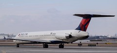 Delta Airlines MD-88 (datguybrent) Tags: photography aviation yyz md88 deltaairlines macdonalddouglas n926dl