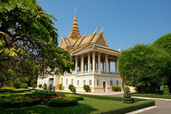 (Valerio Soncini) Tags: architecture cambodia kambodscha khmer architektur phnompenh kh royalpalace khmerart preahthineangchanchhaya