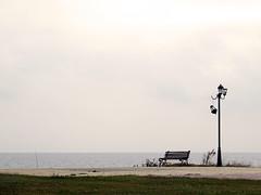 Poor (Merodema) Tags: beach broken strand bench sad post banco bank lamppost zand kaal kust bankje eenzaam lantaarn verlaten kapot treurig droevig