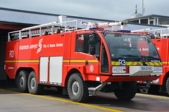 Shannon Airport Fire & Rescue Service 2009 Sides S3000 6x6 RIFT 09CE1145 (Shane Casey CK25) Tags: county blue ireland light red irish rescue man men 6x6 station truck fire airport clare fighter crash engine shannon crew foam fireman service fireengine firemen firestation emergency firefighter society rapid 2009 tender brigade firebrigade s3000 sides fbs intervention bluelights rift firebrigadesociety 09ce1145